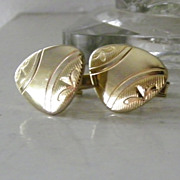 Gold Tone Unsual Shape Cufflinks