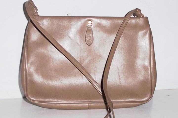 """""""Etra"""" Tan Leather Shoulder Bag"""