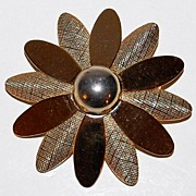 SALE 1970s Sarah Coventry ~ Textured Goldtone Flower Pin