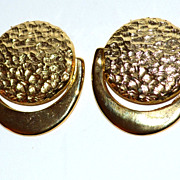 VTG Hammered Goldtone Shoe Clips