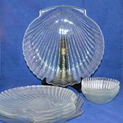 8-Pc Glass Shell Motif Dinner Plate & Bowl Set