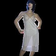 SALE 1970s Vassarette White Nylon & Wide Flower Lace Full Slip ~ Size 36