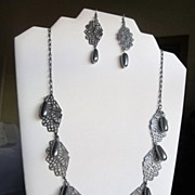 Antiqued Silver Plated Fans Swarovski Glass Pearls Tear Drop Set