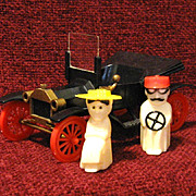 Model T Ford Driven by Salt/Peppers, 1950s Plastic, Book Piece!