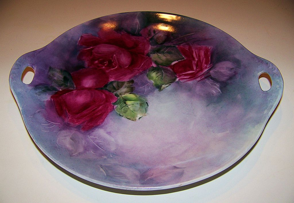 """Superb Colors Vintage 1900's Royal Austria Hand Painted """"Deep Red Roses"""" 11-3/8"""" Plate"""