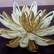 SOLD Sarah Coventry Water-Lily Brooch