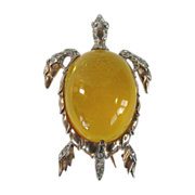 SALE Trifari Alfred Philippe 1940s Sterling Lucite jelly belly turtle pin