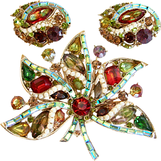 SALE Hollycraft 1957 Autumn Pin and Earrings Set