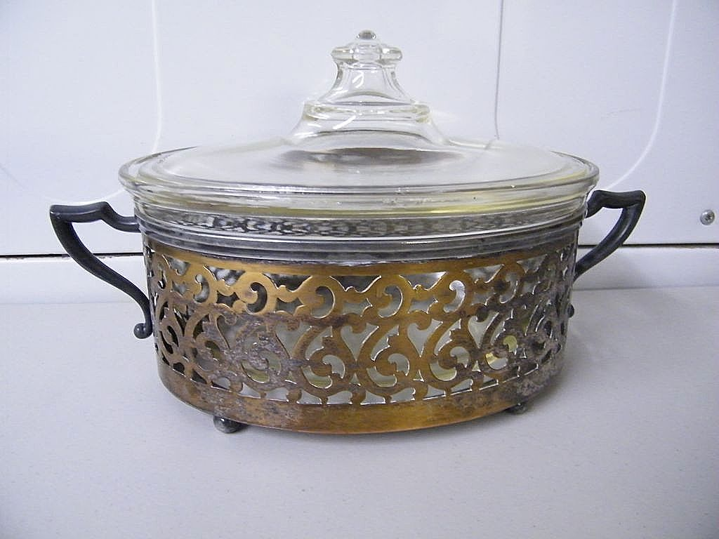 Very Vintage Art Deco Design SP Rogers Covered Casserole With Pyrex Inserts