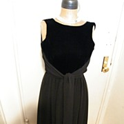Vintage..Designer Dress..Velvet Bodice / Double layer Chiffon Skirt..Tie..Size 6..Excellent ..