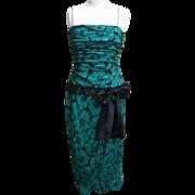 Oscar De La Renta Green / Black Floral Printed Silk Gown..Size 12..Hong Kong..Excellent ...