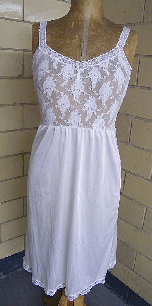 White Vanity Fair Stretch lace Bodice & Nylon Tricot Skirt..New Condition..Size Small