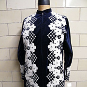 REBECCA Navy Velveteen Floral Embroidered Lounge Gown Shift..Dolman Sleeves..Excellent Conditi