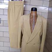 SALE Men's Designer Banana Yellow Light Weight Wool Suit..Made in Italy