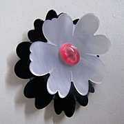 Black / White Resin Double Flower Face Pin Signed PONO..Apricot Center..