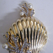 SALE PENDING Un-Marked Trifari..Dramatic Large Scallop Gold-Tone Pin  Brooch..Clear Rhinestone