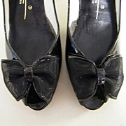 Vintage Black Patent Open Toes With Bow..Shaped High Heels..Caressa Spain..Size 7.5 ...