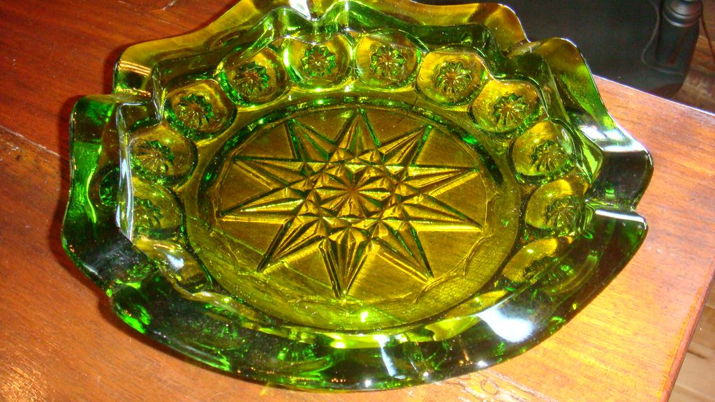 Large Green Starflower Moon and Stars Vintage Glass Ashtray Tobacciana Collectible