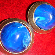 Vintage Clip Earrings Large Marbled Cobalt Blue/White Lucite Set in Brushed Goldtone Design Se