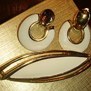 """3 1/4"""" Long & Sleek MONET Enameled Gold Tone MOD Brooch & Door Knocker Clip Earrings"""