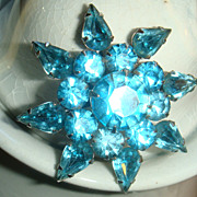 CORO Brooch Turquoise or Aquamarine Rhinestones  Prong Set Pear Shape & Round 3 Dimensional