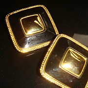 SALE Vintage PREMIER U.S.A. Clip On Earrings Enamel & Gold Tone Button Style