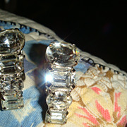 SALE Unsigned Beauties Sparkling Prong Set Rhinestone Earrings Clip On