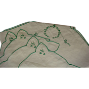 SALE St. Patrick's Day Vintage Embroidered Linens 4 Napkins and Tablecloth Card Table