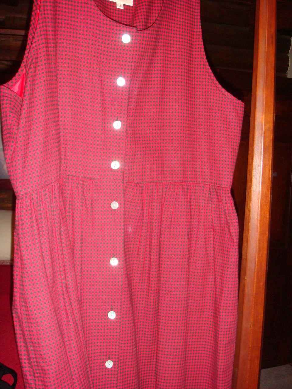 Wonderful Size 12 Susan Bristol Long Vintage Ladies' Jumper Red and Black