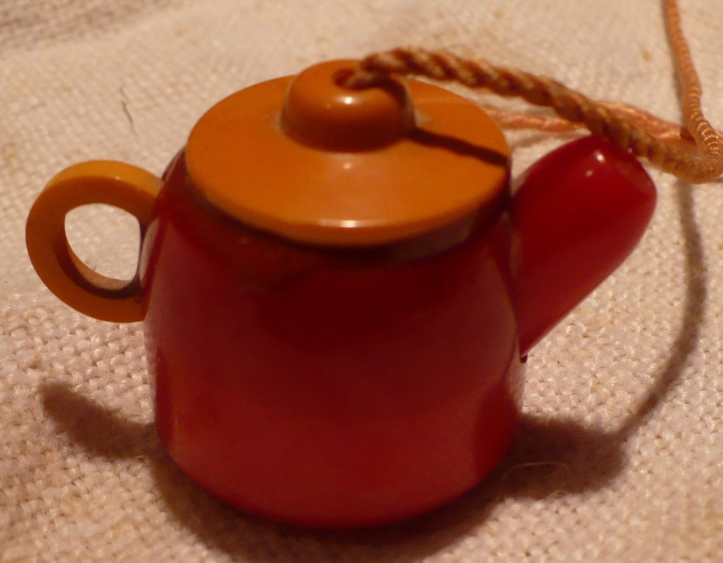 Bakelite Teapot Shade Pull