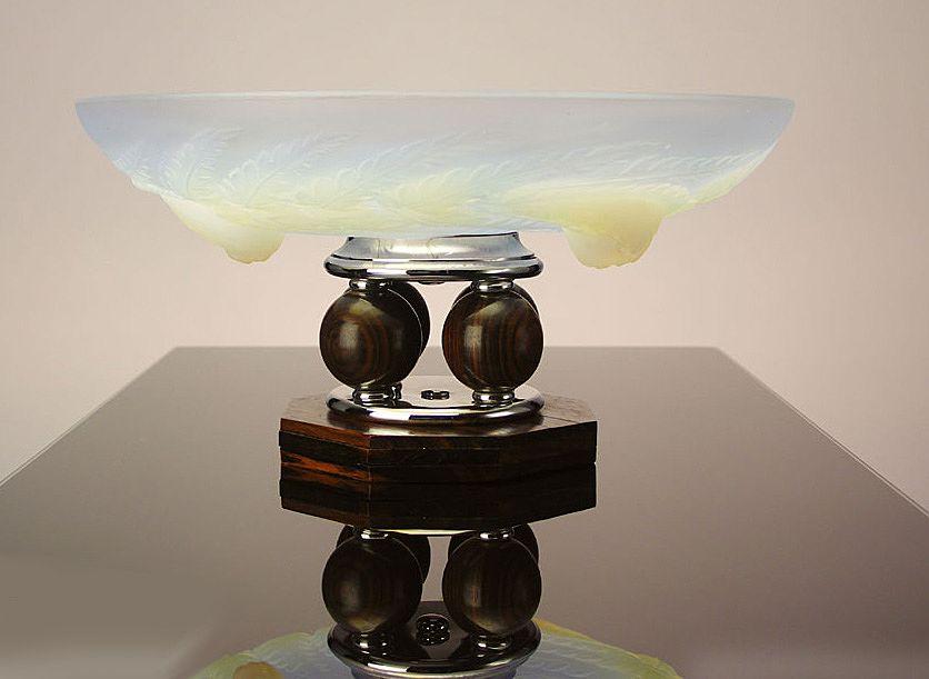 French Art Deco opalescent Glass Centerpiece Bowl, Edmond Laurent Etling, France C.1930