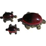 SALE Vintage 3 Red Lucite Turtles Family Figural Pin/Pins/Brooch