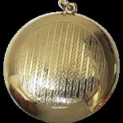 9 Ct Round Gold Compact, Circa 1915-1920  England