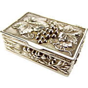 Vintage 1972 REPOUSSE Silver Snuff/Pill/Trinket BOX Opens