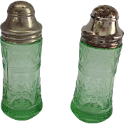 Federal Patrician Spoke Green Depression Glass Salt and Pepper Shakers