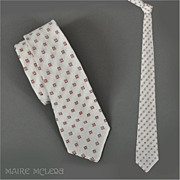 SALE 1950's Men's White / Burgundy Tie   2-3/4""