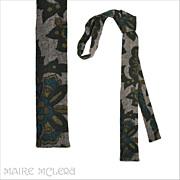 "SALE 1960's Flat Bottom Skinny Tie, Exotic Motif 1-1/2"""