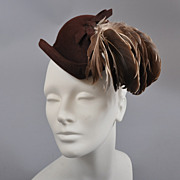 SALE 1940s Forward Tilted Felt Hat-Gorgeous Feathers