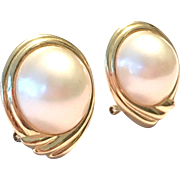 Vintage 1980s 14 K yellow gold Mabe pearl pierced earrings