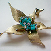 SALE Vintage Gold tone Flower Brooch with Seed Beads Center