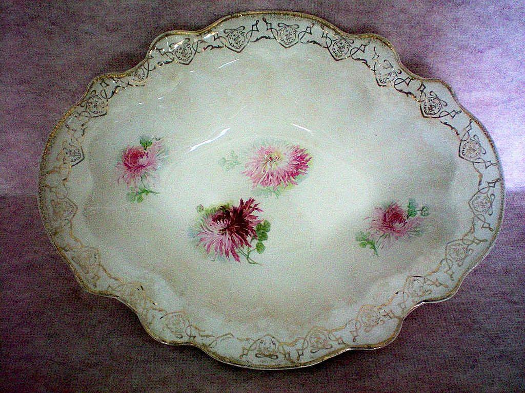 La Francaise Porcelain Deep Oval Serving Bowl