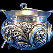 Vintage Fradley Tea STRAINER, Large Feather Swirl Design