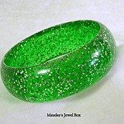 Vintage Emerald Green Glitter Lucite Bangle Bracelet