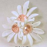 SALE Signed Grosse Vintage Cluster of Daisies with Pink Crystal Pin Brooch