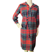 SALE Junior Vogue '60's Style Shift Dress in Red and Green Plaid Size 9