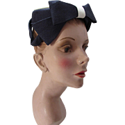 Amazingly Structured Hat in Navy and White Classic Mid Century Simplicity by Gage