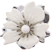 Signed Sarah Coventry 1960's Summer Magic white flower brooch