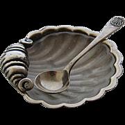 1921 English Sterling Shell Salt Dish w/ Liner & Spoon Set