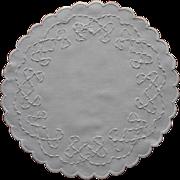 Coronation Braid Antique Centerpiece Doily Scalloped Linen
