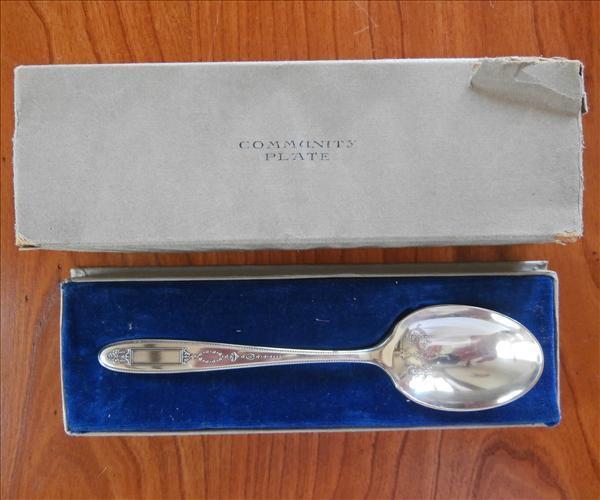 Grosvenor 1921 Sugar Spoon In Original Box Vintage Silver